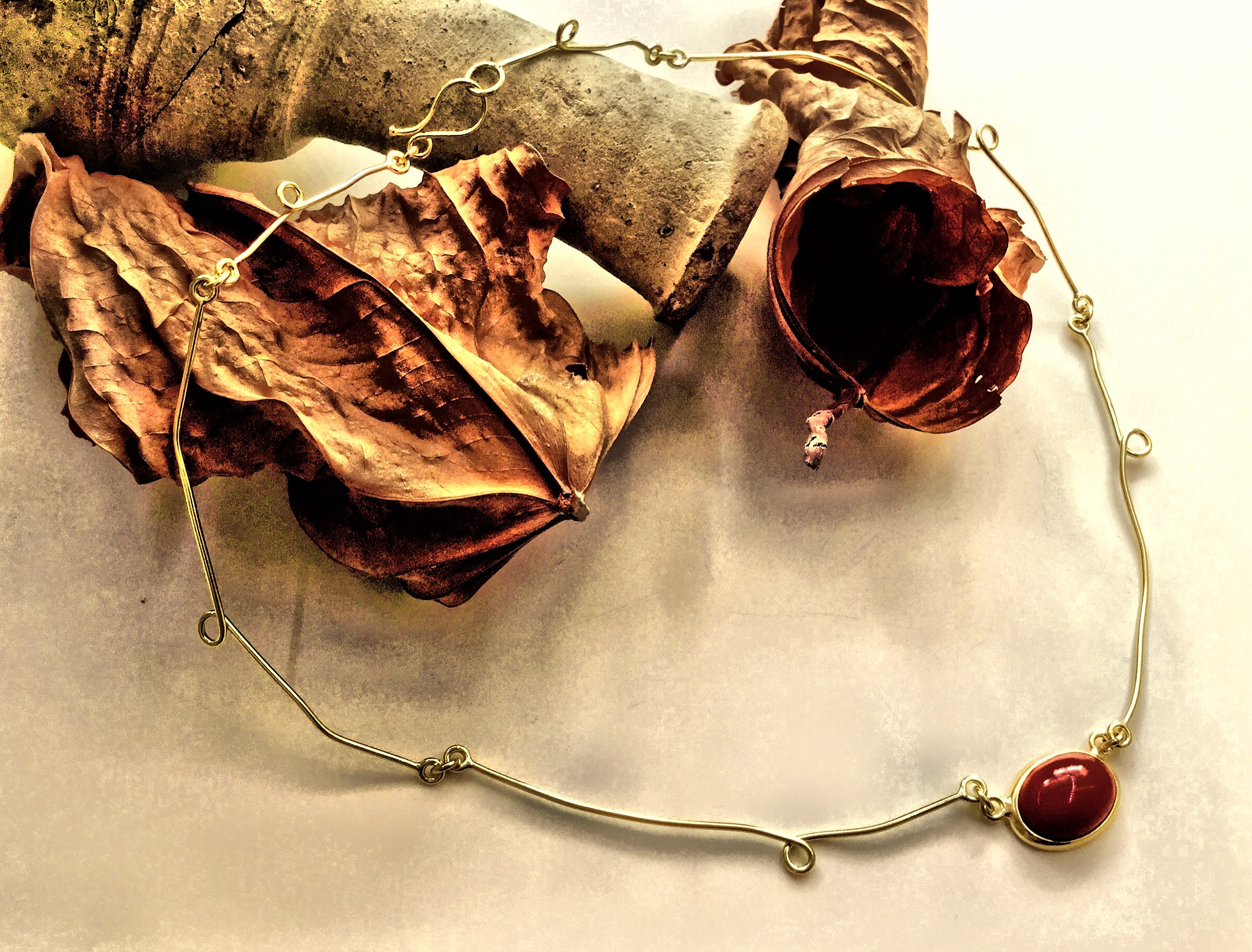Girocollo rotondo romantico