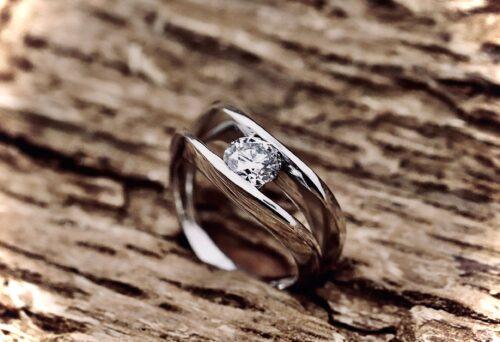 Anello Solitario Curve Diamante